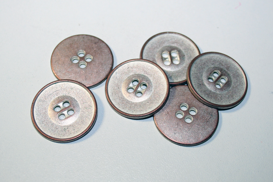 fabulous two-toned metal buttons